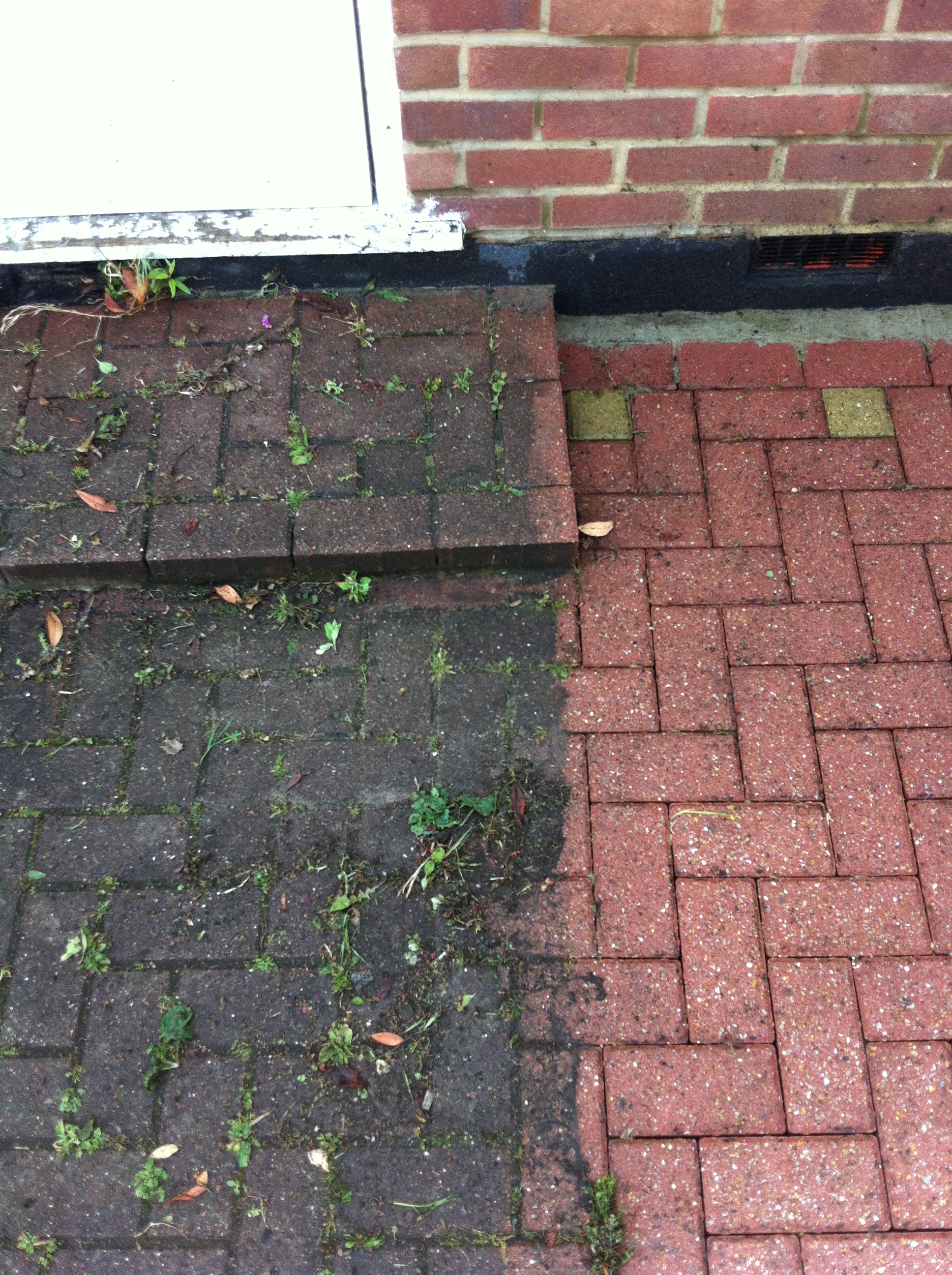 Pressure pros professional pressure washing across london for Best way to clean cement driveway